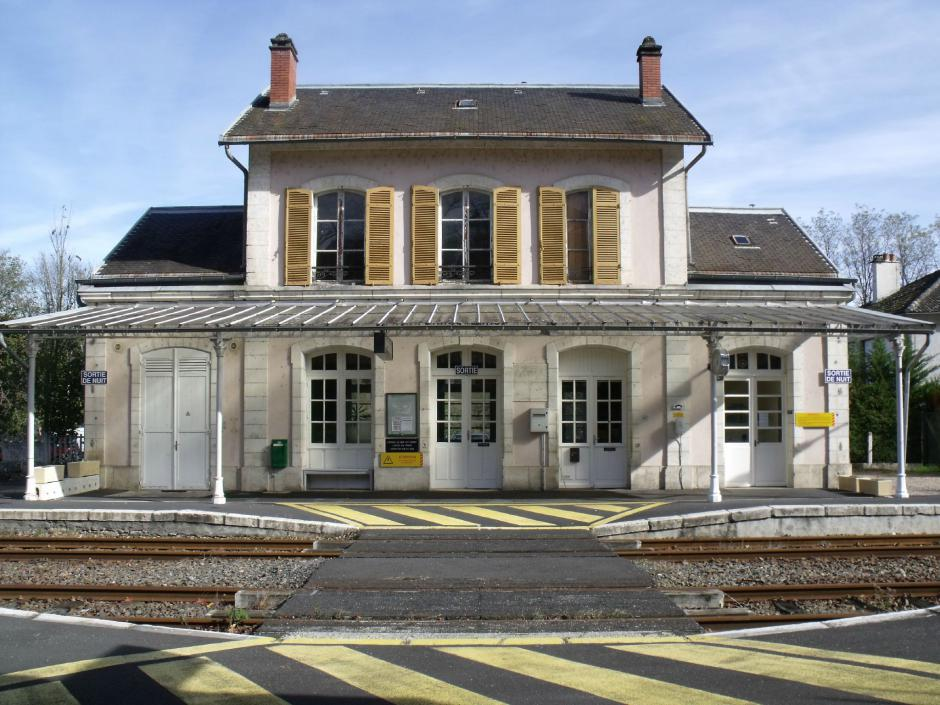 Rassemblement - Gare de Laroquebrou
